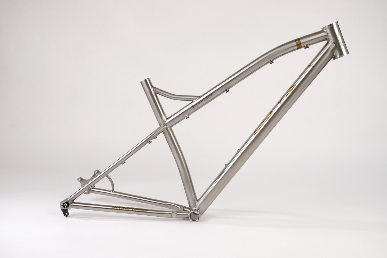 MACUN handgefertigter Titan 29er Mountainbike Rahmen auf Maß